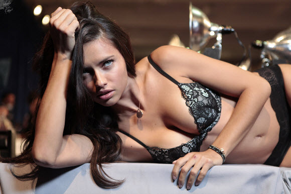 Adriana Lima Decides Will Not Take Off Her Clothes Anymore For An Empty Cause